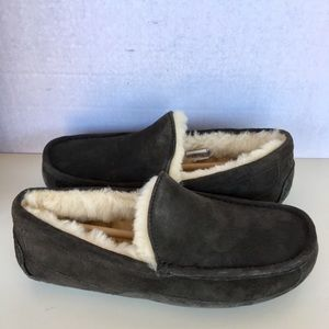 UGG Shoes - ❤️ Brand New UGG Men Ascot Moccasin Slippers.